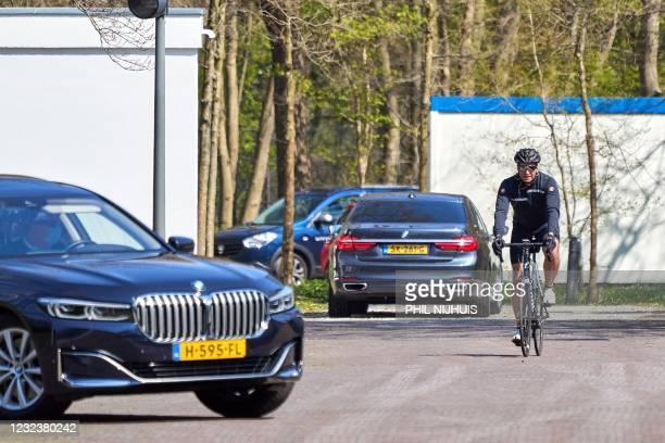 Outgoing Netherland's Minister of Health, Welfare and Sport Hugo de Jonge arrives at The Catshuis in The Hague, for a consultation with members of...