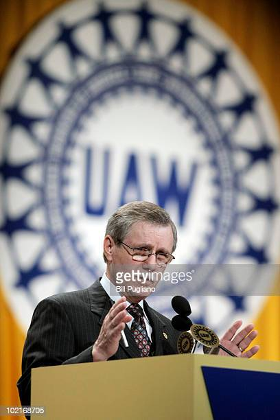 Outgoing United Auto Workers President Ron Gettelfinger addresses the members at the 2010 UAW Constitutional Convention June 17 2010 in Detroit...