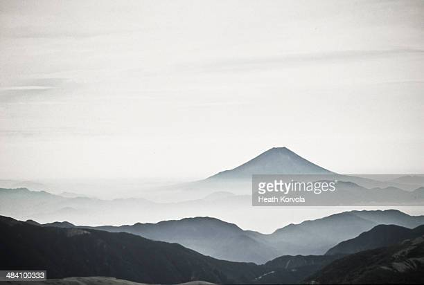 Outline of Mt Fuji in black and white.