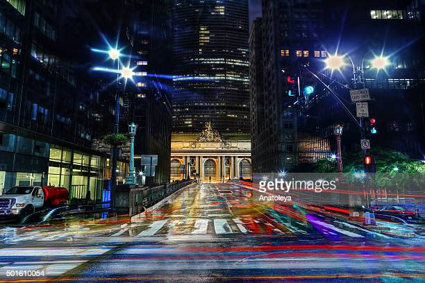 outside grand central station at night - anatoleya stock pictures, royalty-free photos & images