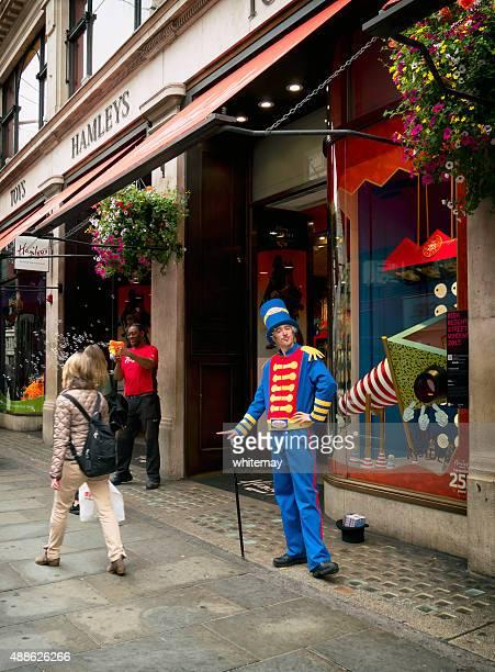 Außerhalb Hamley's toy store, Regent Street