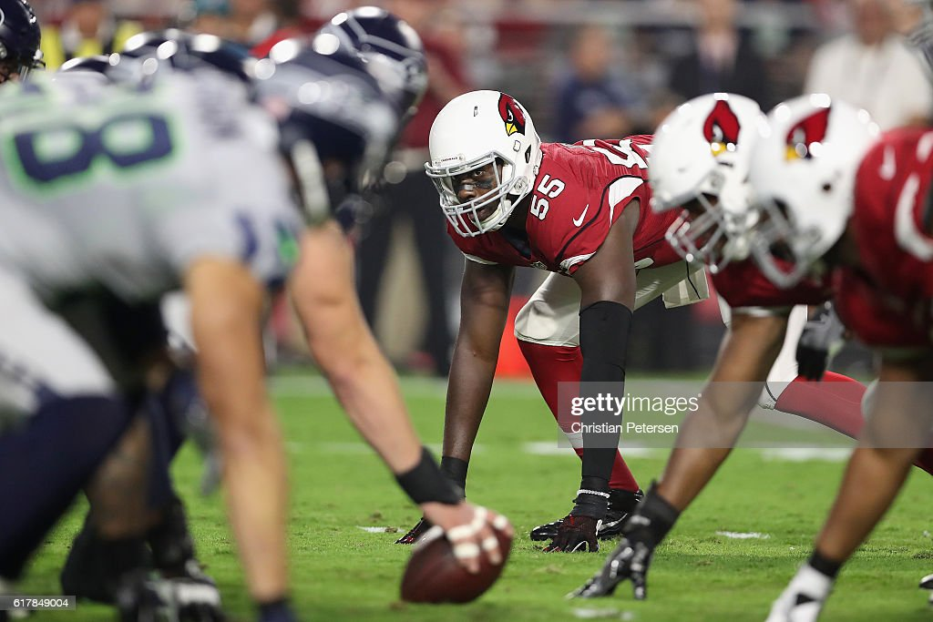 Outside linebacker Chandler Jones #55 of the Arizona Cardinals in action during the NFL game against the Seattle Seahawks at the University of Phoenix Stadium on October 23, 2016 in Glendale, Arizona. The Cardinals and Seahawks tied 6-6.