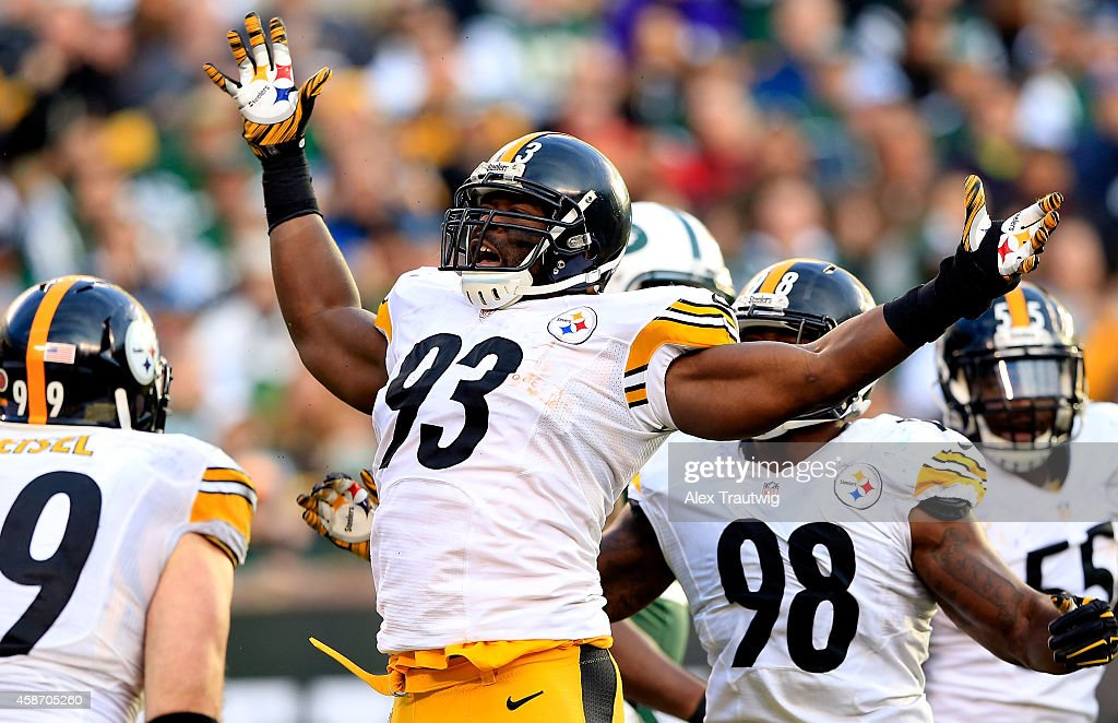 Outside linebacker Jason Worilds #93 of the Pittsburgh Steelers celebrates after sacking quarterback Michael Vick #1 of the New York Jets during a game at MetLife Stadium on November 9, 2014 in East Rutherford, New Jersey.