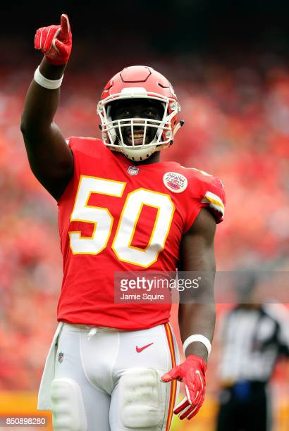 Outside linebacker Justin Houston of the Kansas City Chiefs points to the crowd during the game against the Philadelphia Eagles at Arrowhead Stadium...