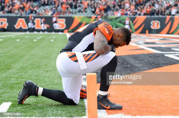 Outside linebacker Vontaze Burfict of the Cincinnati Bengals kneels in the end zone prior to a game against the Cleveland Browns on November 25 2018...