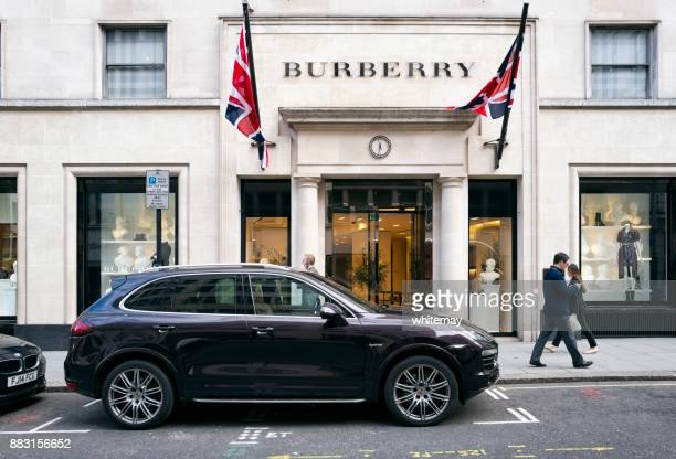 Fuera de la tienda Burberry en New Bond Street, Londres