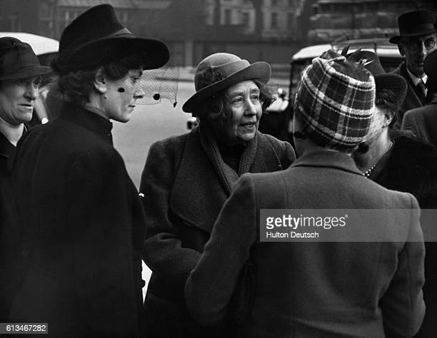 Sylvia Pankhurst Talks To Supporters
