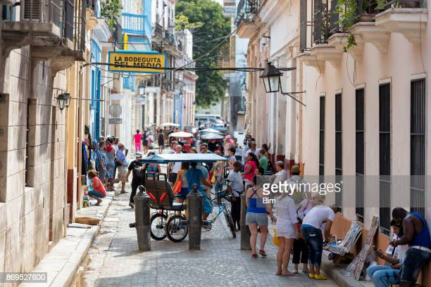 outside view of bodeguita del medio in havana vieja, cuba - old havana stock pictures, royalty-free photos & images