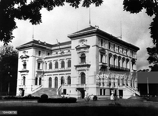 Outside view of the Presidential Palace in Hanoi, around 1950-1960. Built in 1906, the building, which was originally the palace of the Governor...
