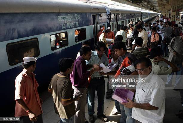 Outstation Train A forty member team of doctors from organisation Doctors For You left for Bihar on Monday to assist flood affected victims