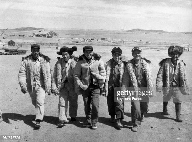 Ouvriers de la mine de fer à Pactow en Chine en avril 1958