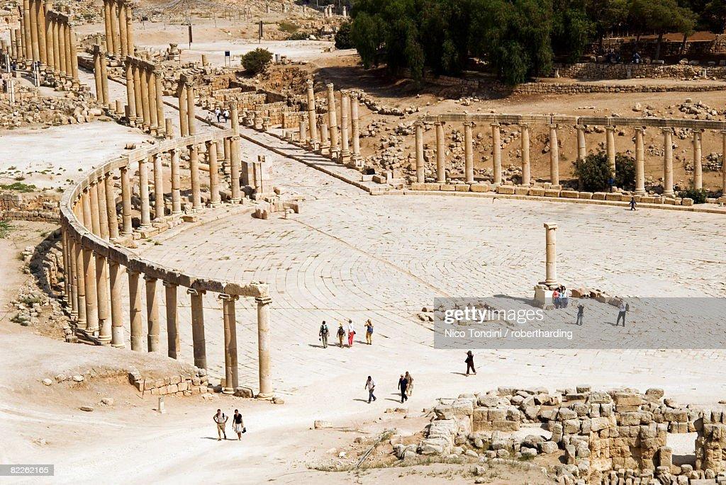 Oval Plaza, colonnade and Ionic columns, Jerash (Gerasa) a  Roman Decapolis city, Jordan, Middle East : Stock Photo