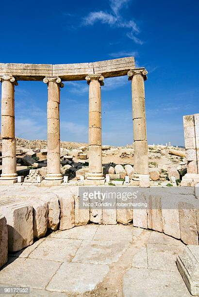 Oval Plaza, Colonnade and Ionic columns, Jerash (Gerasa), a Roman Decapolis city, Jordan, Middle East