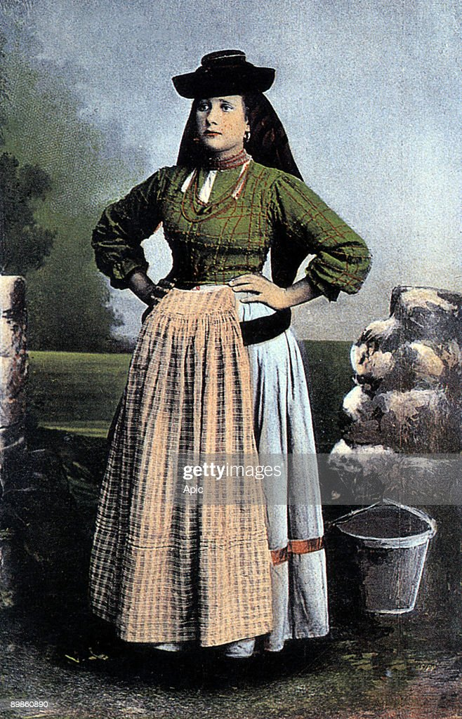 ovarina woman from ovar daily life in portugal early 20th century