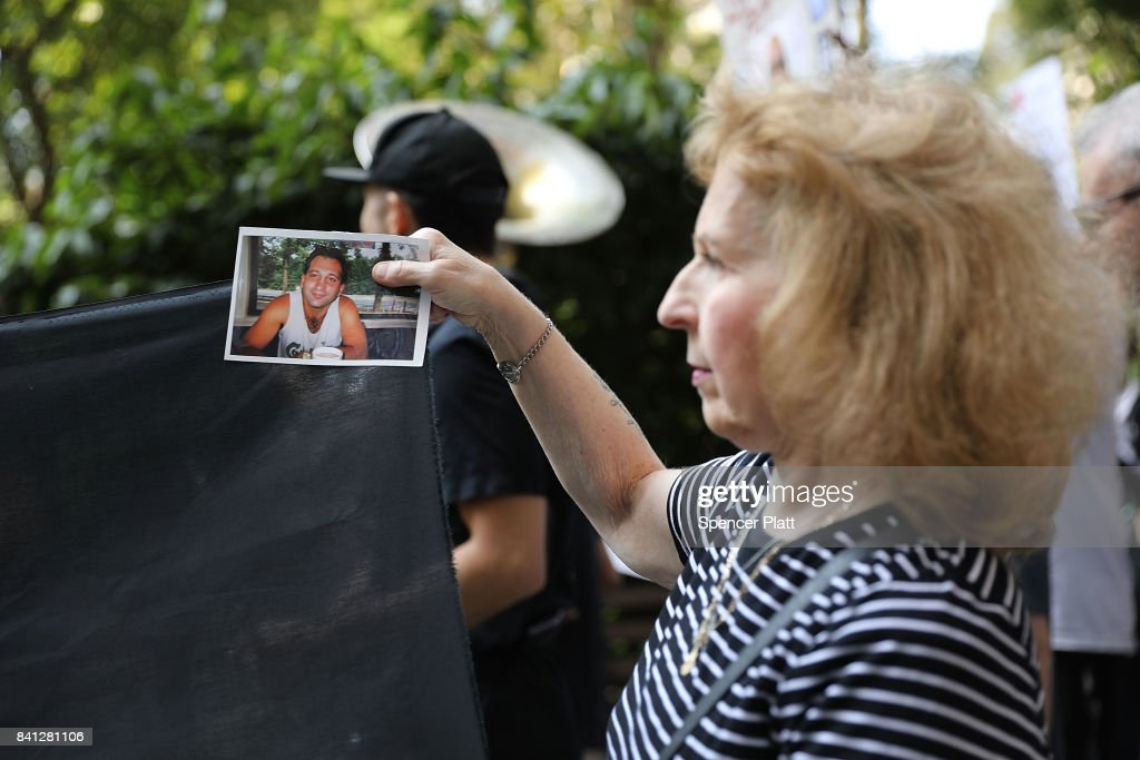 National Overdose Awareness Day March Held In New York : News Photo