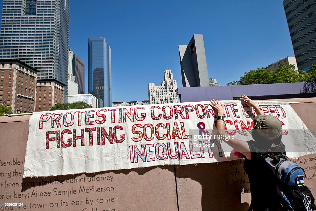 Occupy la one year anniversary pictures getty images