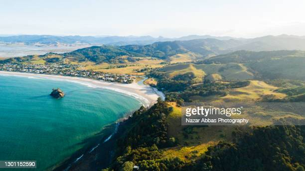 overhead view of beach. - north island new zealand stock pictures, royalty-free photos & images