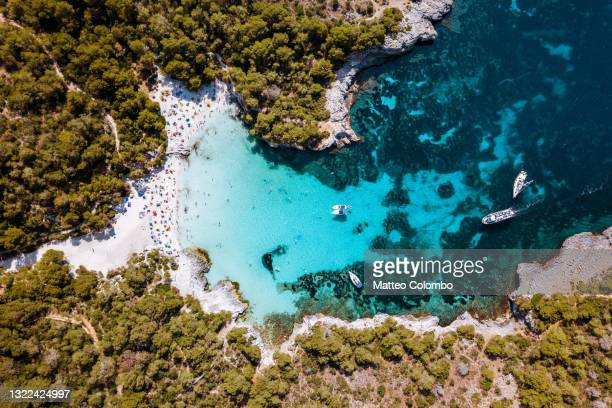 overhead view of cala turqueta beach, menorca - balearic islands stock pictures, royalty-free photos & images