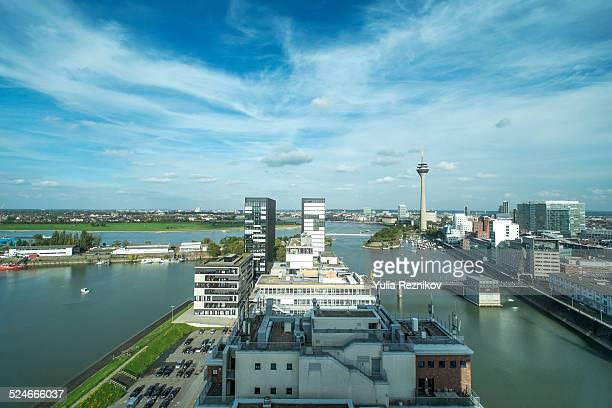 overhead view of media harbor in düsseldorf - medienhafen stock-fotos und bilder
