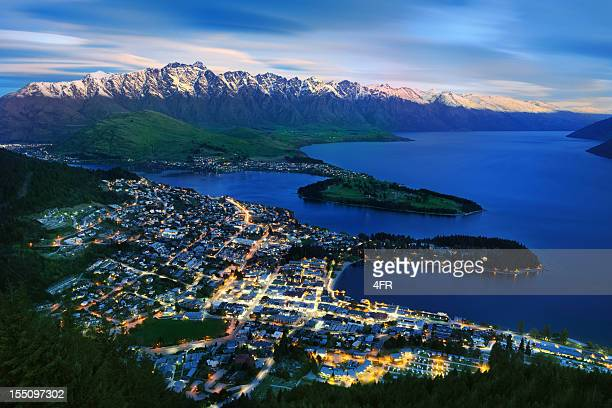 overhead view of queenstown and the remarkables, new zealand (xxxl) - queenstown stock pictures, royalty-free photos & images