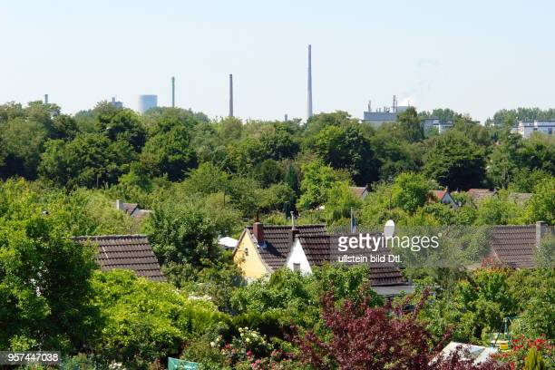 overlooking the allotments settlement 'Am Kanal' to industrial plants Steag power plant and Aurubis recycling center