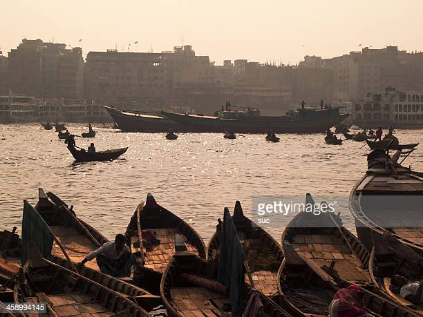 overpopulation and pollution problems in bangladesh - bangladesh stock pictures, royalty-free photos & images