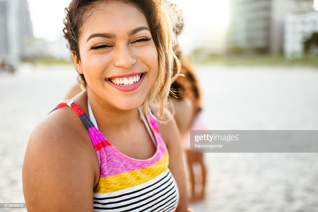 Mulher grande Sorriso aberto : Foto de stock