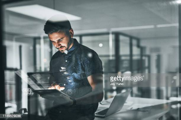 overtime is something all successful people must do - tecnologia imagens e fotografias de stock