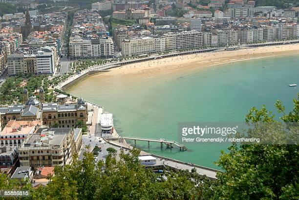 overview of san sebastian, basque country, costa vasca, euskadi, spain, europe - peter sebastian fotografías e imágenes de stock
