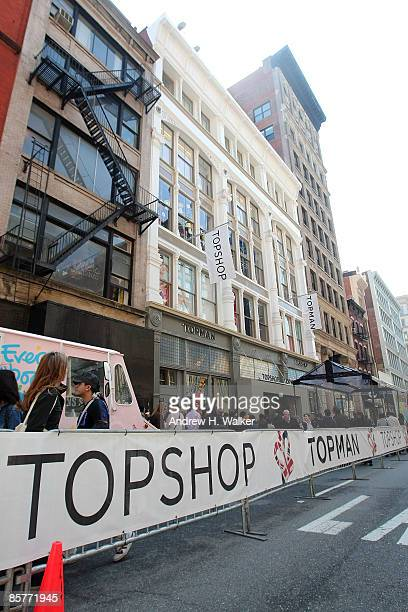 Overview of the exterior of TOPSHOP TOPMAN on April 2 2009 in New York City