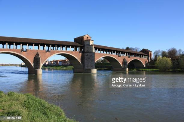 overview of the pavia covered bridge - covered bridge stock pictures, royalty-free photos & images