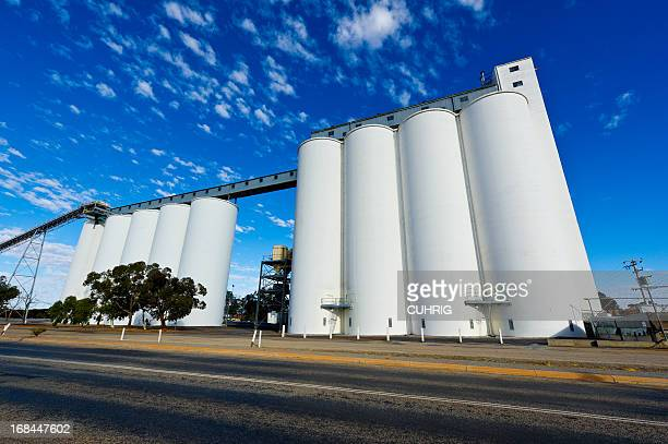 overview of wheat silos along great eastern highway - silo stock photos and pictures