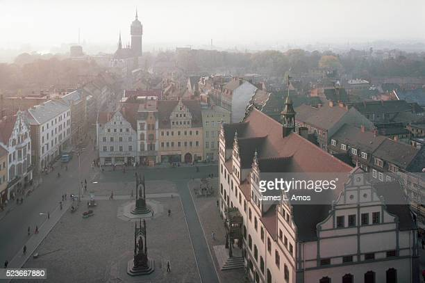overview of wittenberg town square - east germany stock pictures, royalty-free photos & images