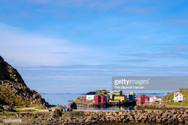 overview over the small fishinvillage nyksund in vesterålen nrway - finn bjurvoll stock pictures, royalty-free photos & images