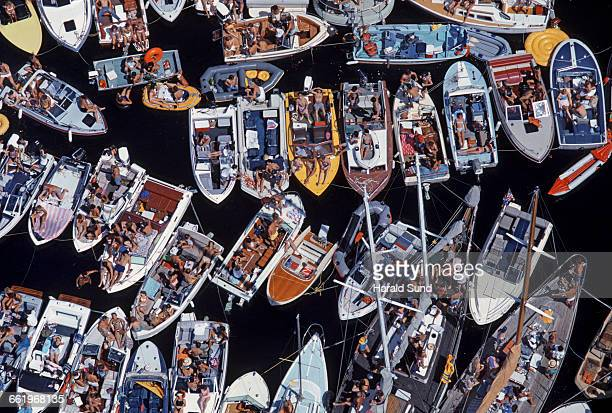 Overview, pleasure boats grouped together.