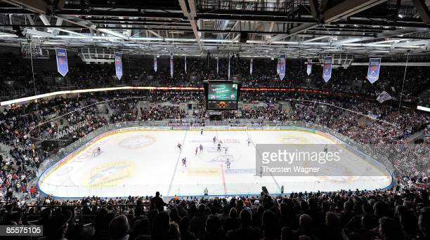 Overview SAPArena seen during the DEL PlayOff quarter final between Adler Mannheim and Sinupret Ice Tigers at the SAPArena on March 22 2009 in...