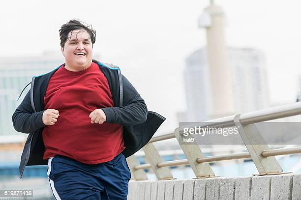 Übergewicht junge Mann laufen, Gewicht zu verlieren