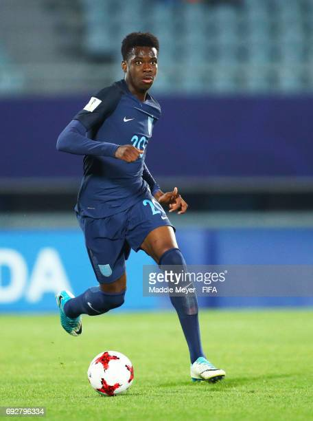 Ovie Ejaria of England looks for a shot on goal during the FIFA U20 World Cup Korea Republic 2017 Quarter Final match between Mexico and England at...