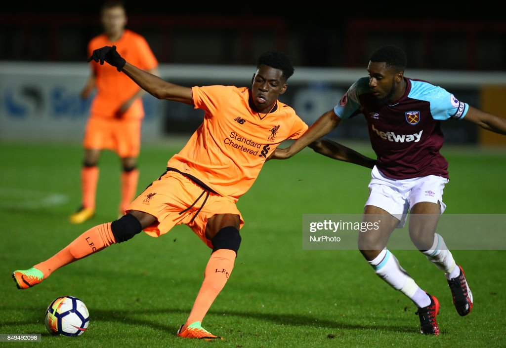 L-R Ovie Ejaria of Liverpool and Moses Makasi of West Ham United during Premier League 2 Division 1 match between West Ham United Under 23s and Liverpool Under 23s at Dagenham and Redbridge Chigwell Construction Stadium, Dagenham, England on 18 Sept 2017.
