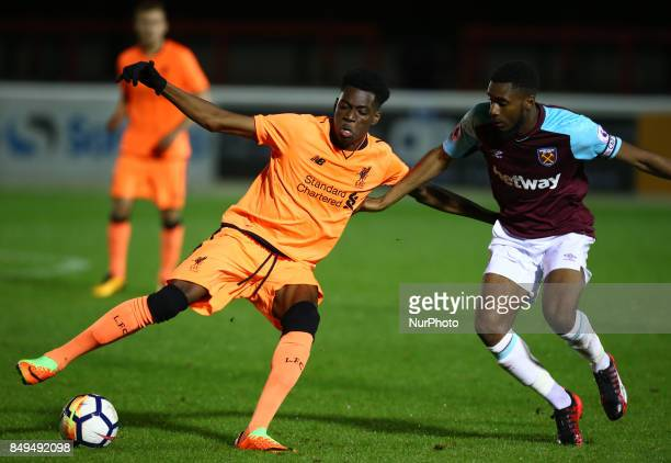 LR Ovie Ejaria of Liverpool and Moses Makasi of West Ham United during Premier League 2 Division 1 match between West Ham United Under 23s and...
