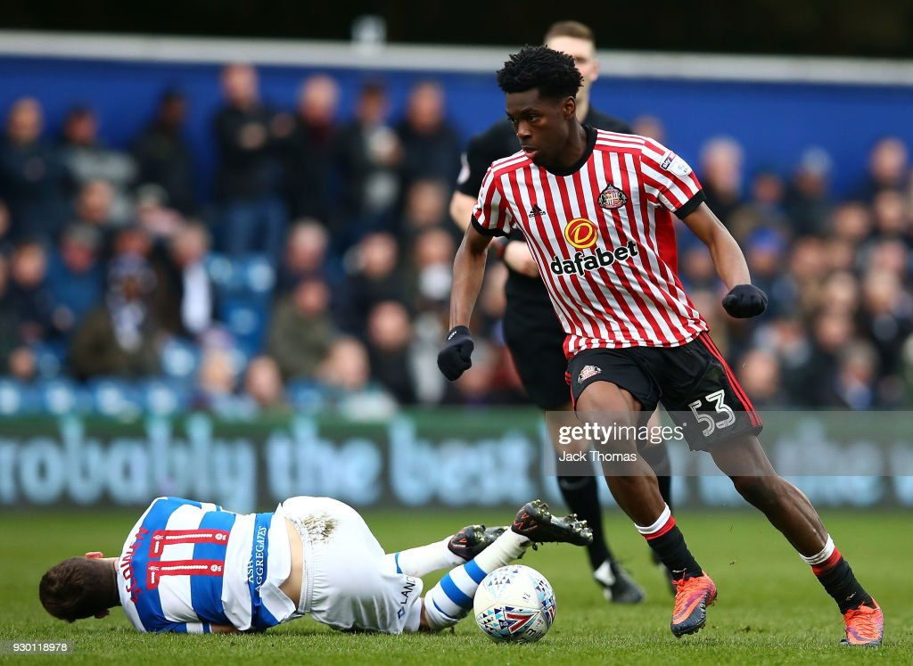 Ovie Ejaria of Sunderland in action during the Sky Bet Championship match between QPR and Sunderland at Loftus Road on March 10, 2018 in London, England.