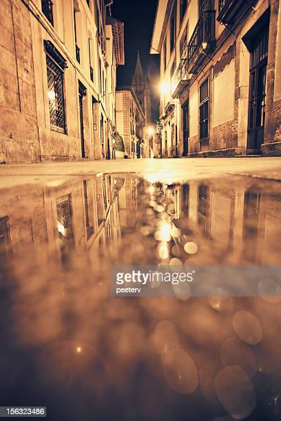 oviedo old town by night. - oviedo stock pictures, royalty-free photos & images