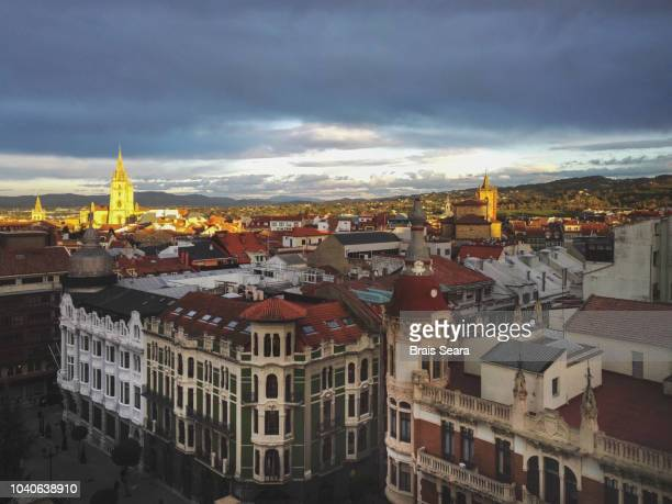 oviedo old town - oviedo stock pictures, royalty-free photos & images