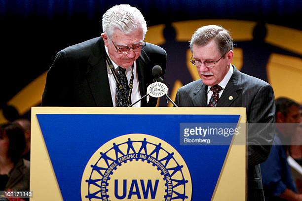 Owen Bieber president of the United Auto Workers union from 19831995 left speaks with outgoing UAW president Ron Gettelfinger during the UAW 35th...