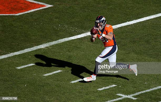 Owen Daniels of the Denver Broncos scores a 21yard first quarter touchdown against the New England Patriots in the AFC Championship game at Sports...
