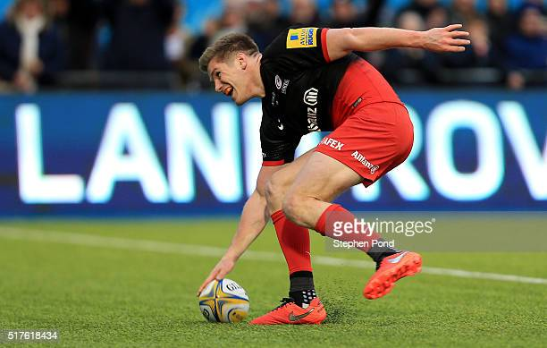 Owen Farrell of Saracens scores a try during the Aviva Premiership match between Saracens and Exeter Chiefs at Allianz Park stadium on March 26 2016...