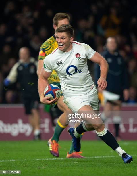 Owen Farrell runs in to score for England during the Quilter International match between England and Australia at Twickenham Stadium on November 24...