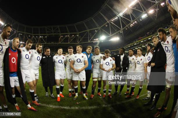 DUBLIN IRELAND FEBRUARY 02 Owen Farrell the Englan captain talks to his team after their victory during the Guinness Six Nations match between...