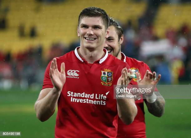 Owen Farrell who kicked the match winning penalty celebrates after their victory during the match between the New Zealand All Blacks and the British...