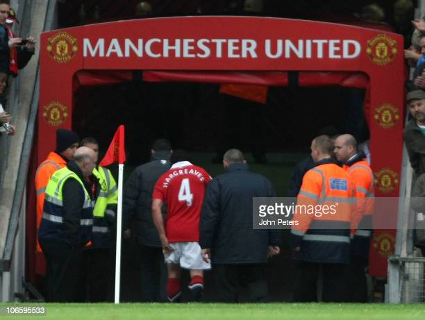 Owen Hargreaves of Manchester United leaves the pitch with an injury just five minutes into his comeback from injury during the Barclays Premier...